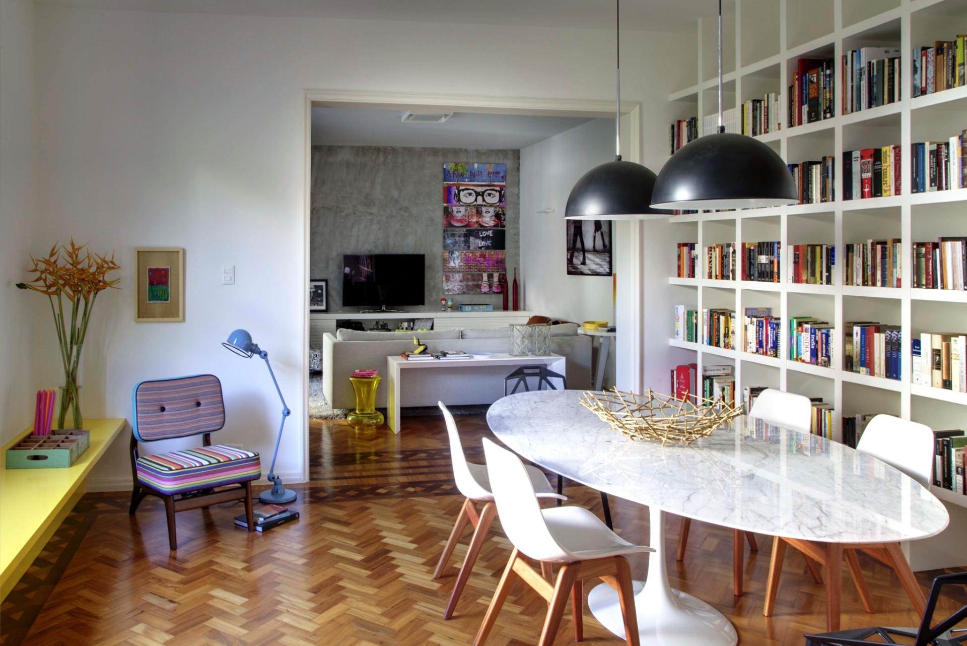 #6D412B Dicas práticas para a decoração de apartamentos alugados. Amagai  1920x1282 píxeis em Como Decorar Uma Sala Pequena Conjugada Com Cozinha