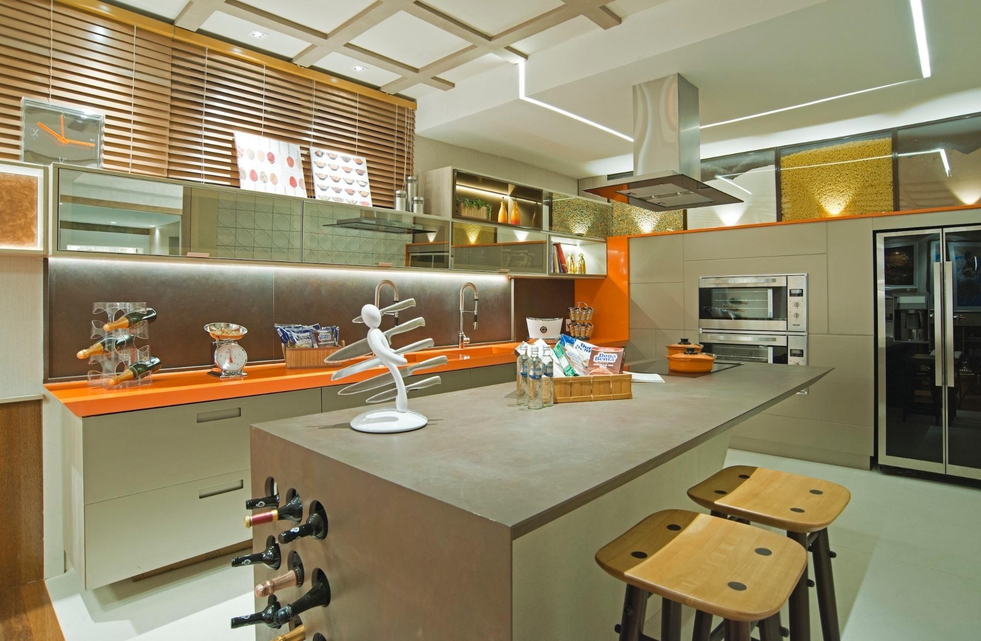 Qual revestimento de bancada é o ideal para a sua cozinha? Amagai  #A16C2A 1920 1255