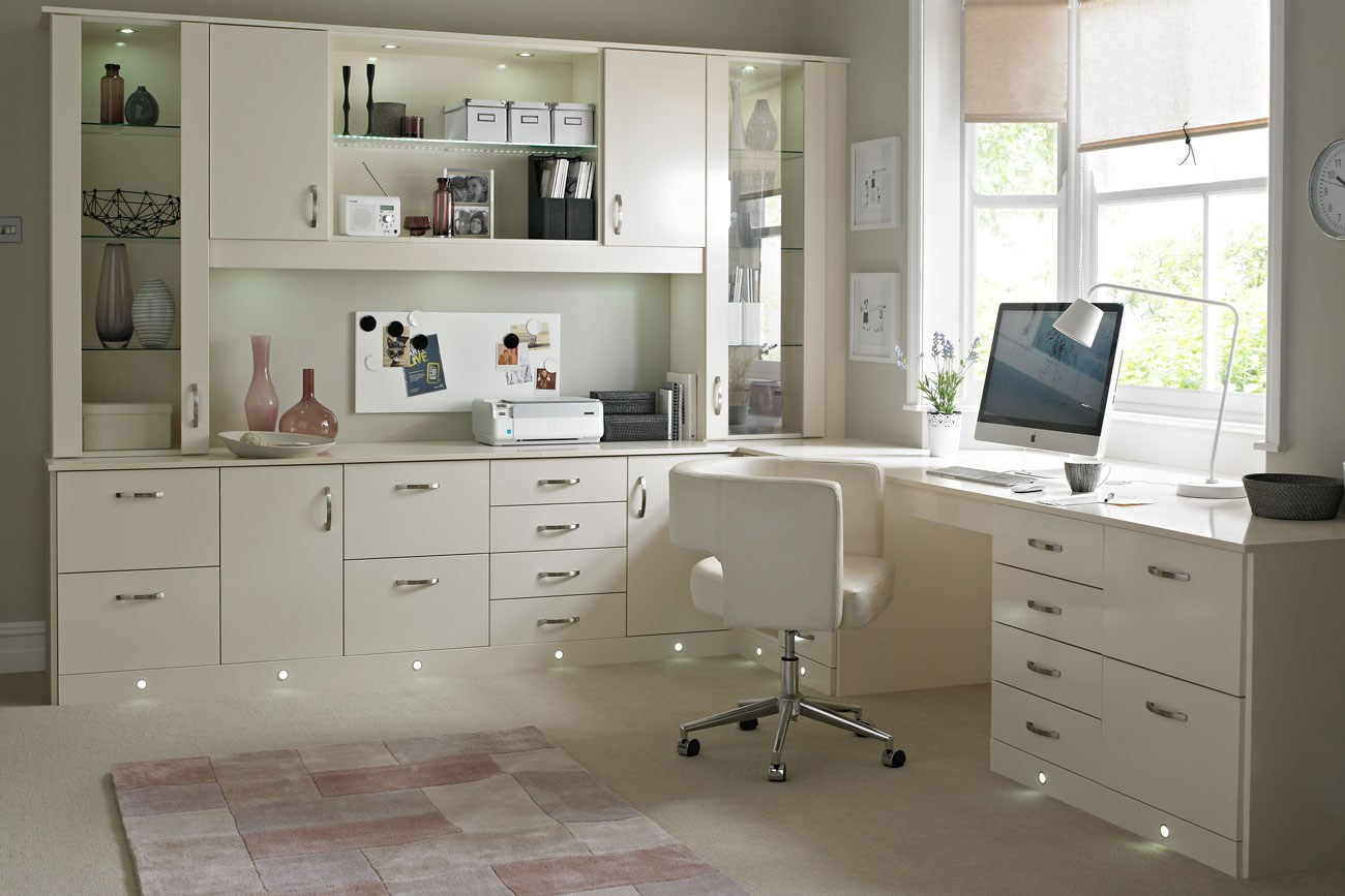 Awesome Dicas Para Montar O Seu Home Office Amagai Imoveis Largest Home Design Picture Inspirations Pitcheantrous