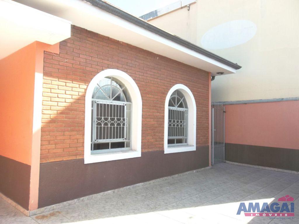Casa Jardim Nova Esperan�a Jacare�