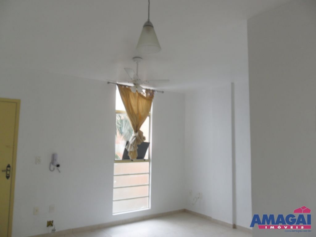 Apartamento Parque Santo Antonio Jacare�